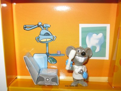 mouse-doctors-diorama4.jpg