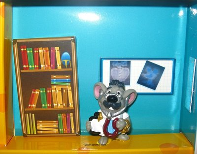 mouse-doctors-diorama5.jpg