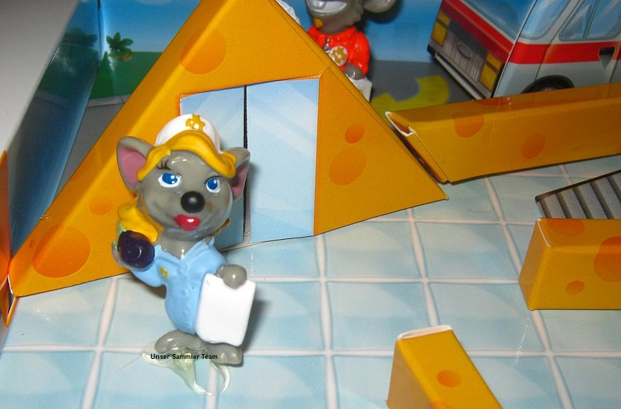 mouse-doctors-diorama13.jpg